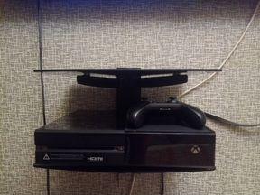 Xbox one 500gb + 9 игр