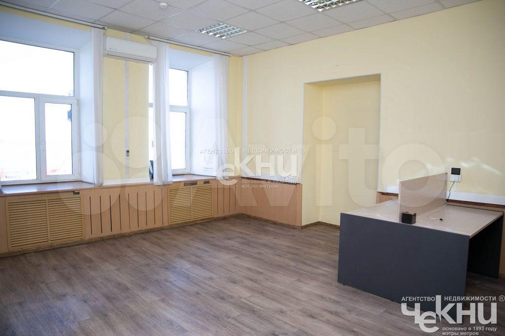 Сдам офисное помещение, 301.00 м²  89519184701 купить 1