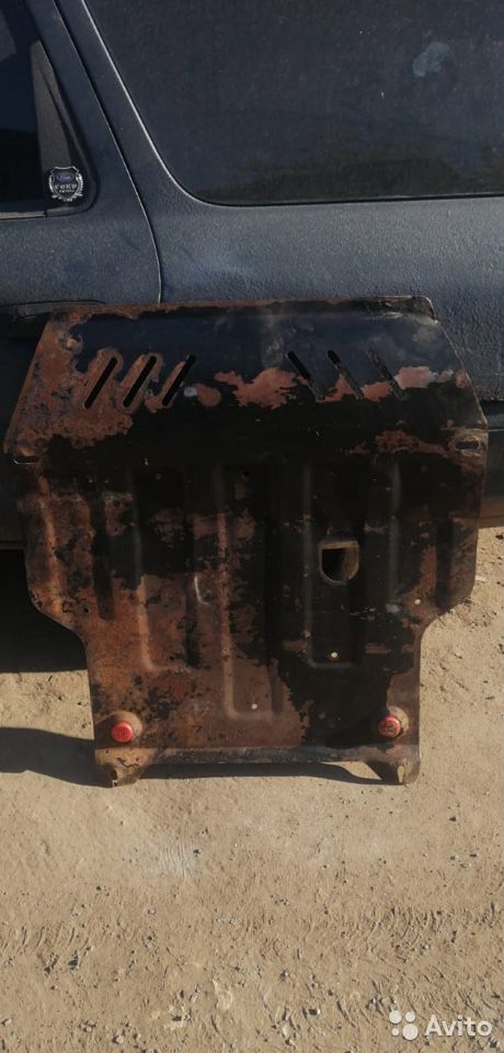 Защита двигателя audi a3 8L хетчбэк  89111899688 купить 1